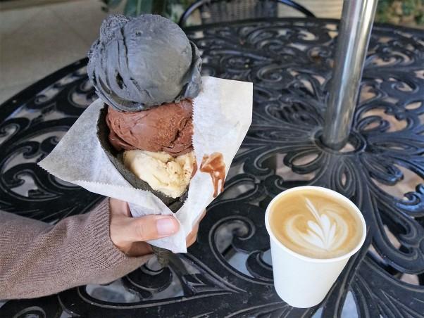 Cafe De La Plage Malibu Ca